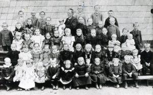 Einschulung 1885 ?
